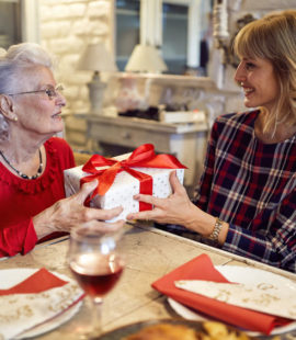 How to Talk with Your Parents About Their Retirement Finances During the Holiday Season